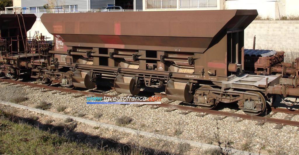 Un wagon minéralier de l'activité INFRA SNCF