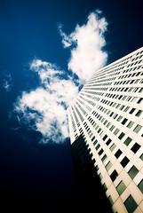 [フリー画像] 建築・建造物, 高層ビル, 雲, 日本, 東京都, 201102160100