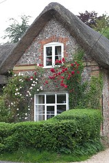 Cheriton Cottage, Hampshire (teresue) Tags: uk greatbritain england unitedkingdom cottage hampshire 2007 thatchedcottage cheriton climbingroses southse
