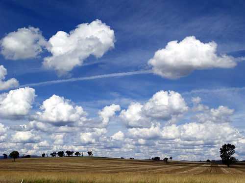 Simpson's Clouds on the Hume Highway by johnno_oz, on Flickr