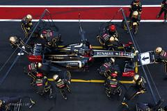 Lotus Renault R31 F1 Pit Stop (Zip250) Tags: barcelona lotus f1 renault pitstop formula1 r31 gp nickheidfeld