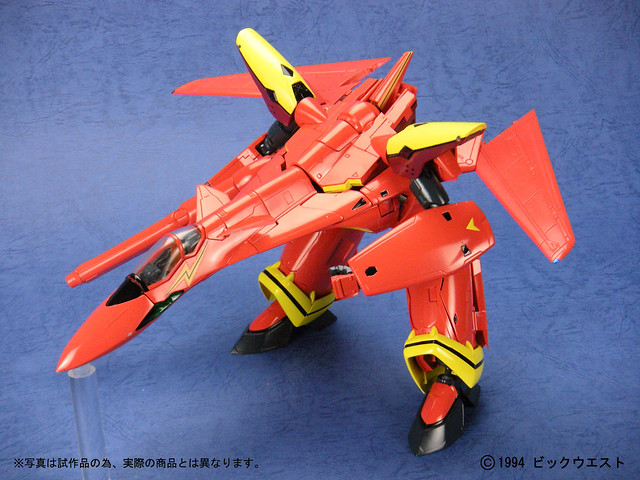 1/60 VF-19 Fire Valkyrie by Yamato Toys