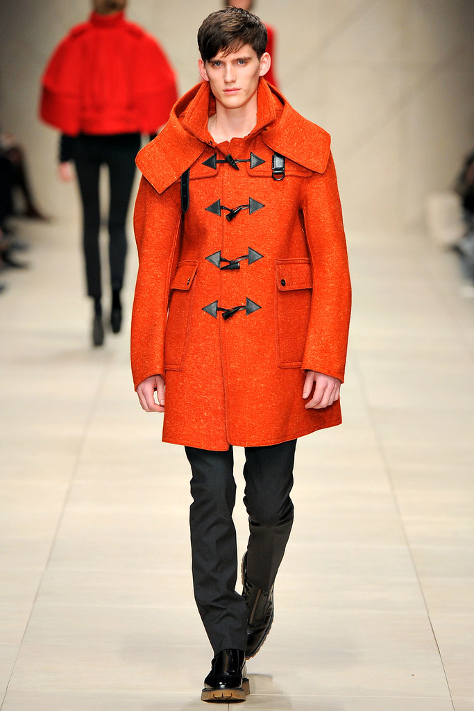 FW11_London_Burberry Prorsum Women's001_Sebastian Brice(VOGUEcom)