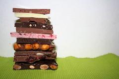 Lderach chocolate (Like_the_Grand_Canyon) Tags: white dark schweiz manufaktur candy sweet chocolate swiss almond cranberry honey raspberry schokolade hazelnut bruch tafel schokoladen schoki