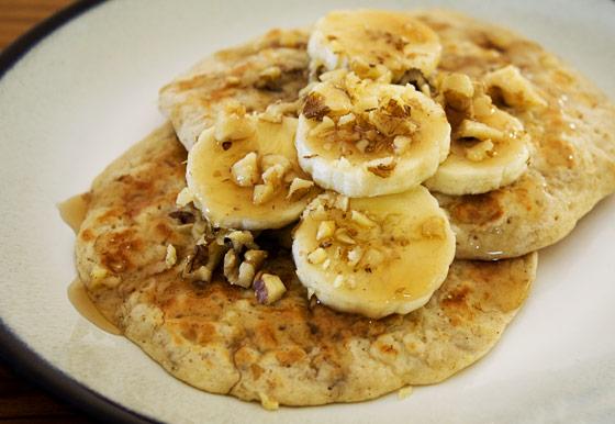 Inspire. Create. Bake.: Banana nut pancakes