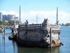Italian Barge at Vizcaya populated by pirates, mermaids, and Neptune, God of the Sea (mainmanwalkin) Tags: florida miami vizcaya biscaynebay dadecounty miamidadecounty jamesdeering