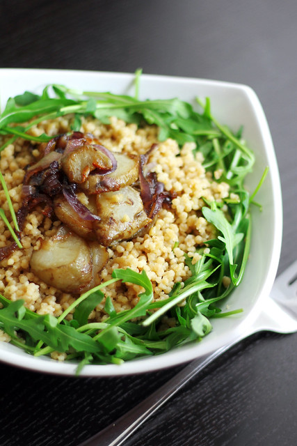 Jerusalem Artichokes, Red onions and Rocket with Giant Couscous