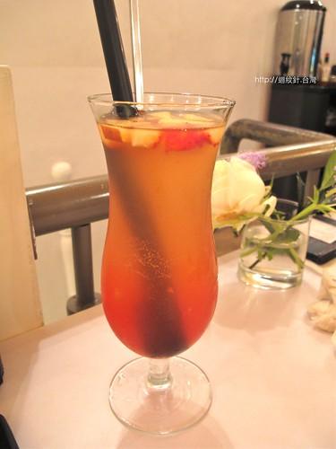R9 cafe  荔枝冰茶