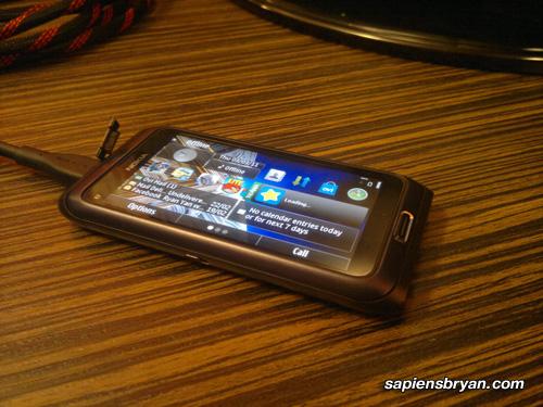 Nokia E7 HDMI Output
