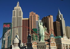 New York New York - Las Vegas - Nevada - Etats Unis (Micky75017) Tags: voyage travel viaje vegas america hotel us photo lasvegas nevada picture imagen sincity estadosunidos  etatsunis  unitesstates  ducloux  micky75017