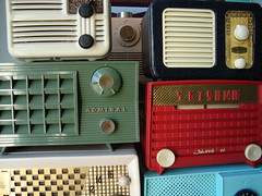 Vintage Radio Display (MarkAmsterdam) Tags: old classic metal radio vintage design portable fifties mark tube battery plastic lovely bakelite forties sixties transistor everready tableradio meijster markamsterdam kitcenradio
