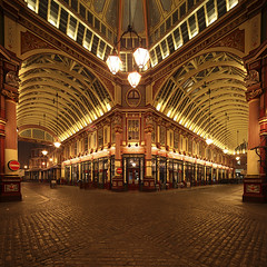 London Leadenhall Market (david.bank (www.david-bank.com)) Tags: city uk england london architecture canon stitch market shift cobblestone tilt tse leadenhall 17mm