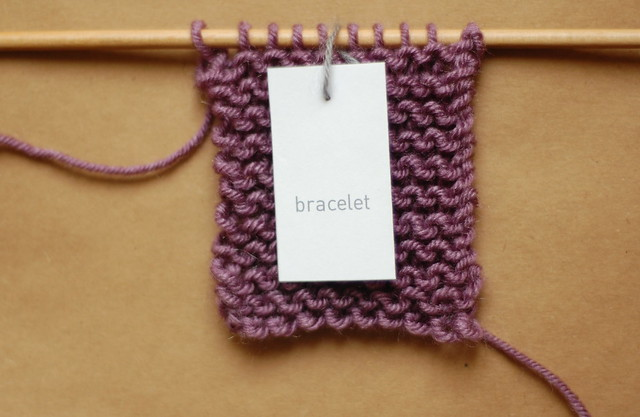 mini knit bracelet pattern