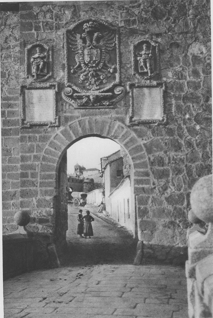 Puente de San Martín hacia 1925. Fotograbado de Friedrich Christiansen