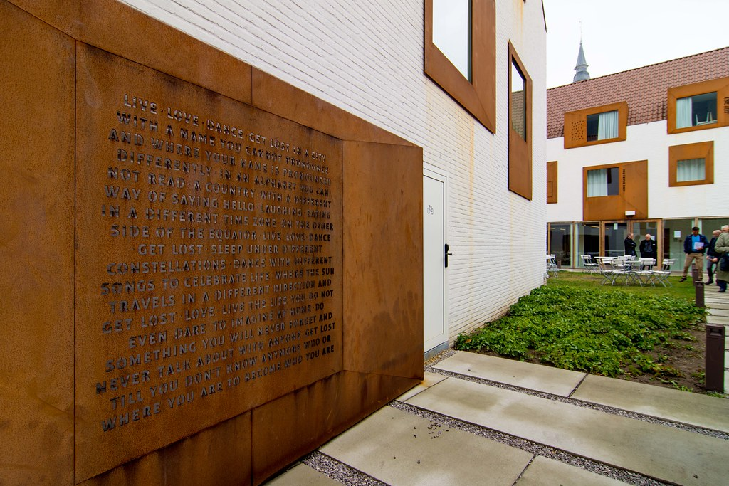 The world 39 s best photos of building and corten flickr hive mind - Architectuur staal corten ...