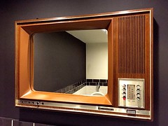 Bathroom at restaurant Jamey Bennet - Den Haag (FaceMePLS) Tags: plaatsdenhaag nederland thenetherlands facemepls iphone6 toilet restaurant eetcaf spiegel mirror philipstelevisie televisieapparaat philipsrembrandt