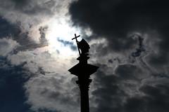 Colonna di Sigismondo (Strocchi) Tags: warsaw varsavia collonadisigismondo sky cielo clouds nuvole plac piazza zamkowy canon eos6d 24105mm statua statue croce cross kolumna zygmunta iii wazy warszawie