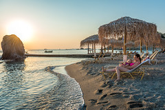 Matina and Eve on the beach (stephanrudolph) Tags: sun sunset beach d750 europe europa water handheld 2470mm 2470mmf28g 2470mmf28 greece griechenland people friends woman girl family kid child baby
