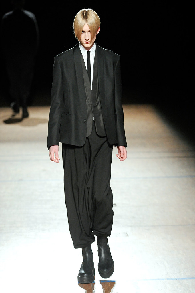 Valter Torsleff3006_FW11_Paris_Damir Doma(Simply Male Models)
