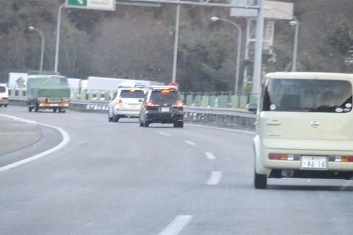 東名高速道路は雪でした。