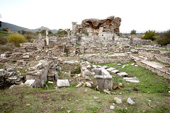 The Ruins of Church of Mary_6914 (hkoons) Tags: turkey ancient ruins asia aegean mesopotamia augustus selcuk ephesus anatolia seluk efes ancientruins anatalya ionia outdoormuseum alexanderthegreat aegeansea sevenwondersoftheworld ancientcity asiaminor thracians yavan yauna androklos ayasuluk apasas lysimachos ahhiyavakingdom yavnai