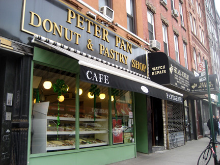 peter_pan_bakery_greenpoint_brooklyn lost new york city