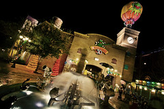 a little muppet love (EddyMixx) Tags: longexposure building tree brick film fountain animal night piggy 3d watertower muppets hotairballoon dhs 4d kermit henson backlot muppetvision jimhenson frankoz fozziebear disneyhollywoodstudios