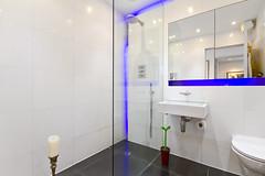Thames Reach Development Designers Show Flat (Snook Photograph ( http://chrissnookphotography.co) Tags: bathroom lights bath neon sink londoninteriordesigninteriorscolourviewsthamesreachdesignercanonpropertycanon7drealestate