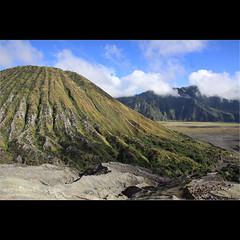 Mount Batok - Java, Indonesia. (mikel.hendriks) Tags: indonesia landscape volcano java photo foto crater indonesië landschap krater mountbromo eastjava canoneos50d mountbatok oostjava bromovolcano batokvolcano sigma1770mmf284dcmacrooshsm bromovulkaan batokvulkaan