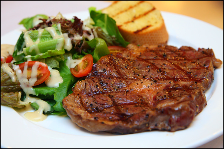 Las Vacas black-angus-rib-eye