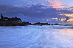 silence in the beauty (Dyahniar Labenski) Tags: blue sunset bali seascape temple nikon publicbeach d90 cemagi niar 1024mm mengening filtergnd09 seefrommyeyes ikniroviolet