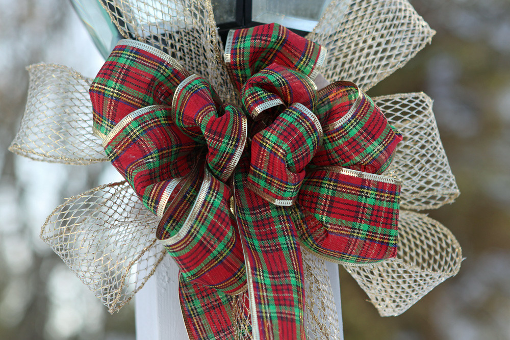 Set of 2 Red and Green plaid bow set on Gold mesh ribbon.