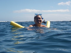 444- Mike Snorkeling at the Na Pali Coast (HaYnCaNdi808) Tags: kauai michaeldavid hi hanalei napalicoast hanaleibay thegardenisle napalicatamaran