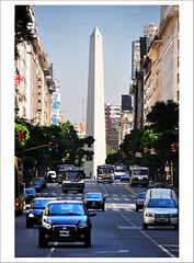 Argentina a 9 das... [El Obelisco] (B'Rob) Tags: republica city travel blue light cloud streetart color building art tourism argentina true azul architecture photography lights photo google arquitectura nikon flickr symbol buenos aires taxi edificio picture ciudad tourist colores best most cielo wikipedia obelisco porteo bsas mejor tradicin portea 18200mm d90 brob brobphoto