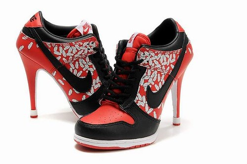 Womens-Nike-Dunk-SB-Low-Black-Red-Heels