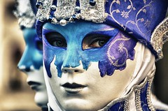 brividi-chills (lorytravelforever) Tags: carnival blue venice look fashion poetry mask blueeyes carnaval masquerade poesia venise carnevale venezia carneval maschera malice mscara chills sguardi agrifalconi noncisarundomani