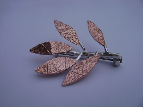 leaf broach 1 by Eve smith www.silvermeadows.etsy.com