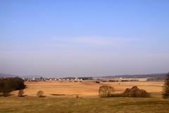 (:Linda:) Tags: sky cloud field germany landscape village wolke thuringia soil baretree veilsdorf cloudysky erde wolkig hessberg weitersroda erdboden vorfrhling prespring friedrichsanfang bewlkterhimmel wolkenamhimmel erdreich ackerboden