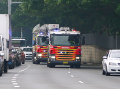 NSWFB Scania pumper & ladder truck (Highway Patrol Images) Tags: rescue highway omega ambulance falcon toyota commodore emergency incident patrol camry afp response yamaha1300 nswfirebrigades nswpoliceforce ambulanceservicensw nswpolicefireambulance australianfederal xr6tssholdenfordscaniavarley