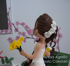 Detalhe... (Teresa Agrello - Artesanato Colorido) Tags: biscuit noivos porcelanafria coldporcelain topodebolo