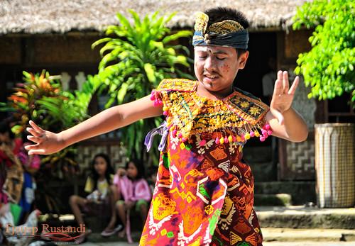 Rudat dance, traditional Sasak