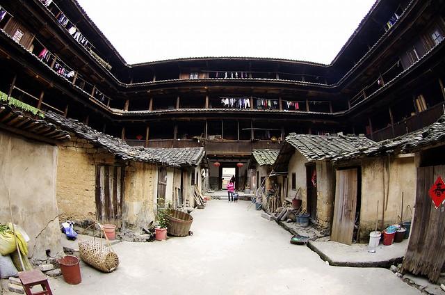 """El """"mundo perdido"""" de Yongding, en China 5588261469_360cdb743a_z"""