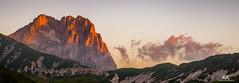 """Il Gran Sasso all'Alba / The """"Gran Sasso"""" at sunset (Abulafia82) Tags: pentax pentaxk5 k5 2016 abulafia estate summer italia italy abruzzo abruzzi campoimperatore gransasso gransassoditalia"""