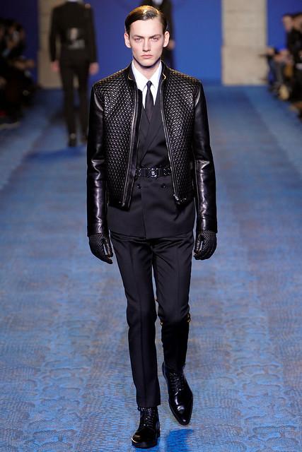 Jakob Hybholt3811_FW11_Milan_Versace(VOGUEcom)