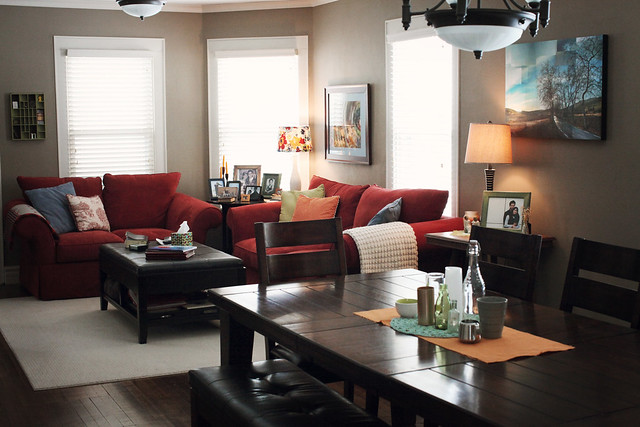 5 . living room/dining room  .