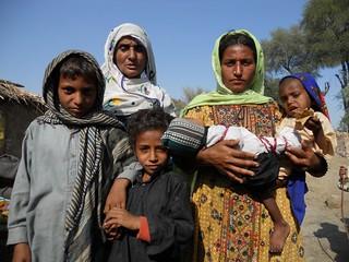 PAKISTAN:Mir Hassan's struggle to live