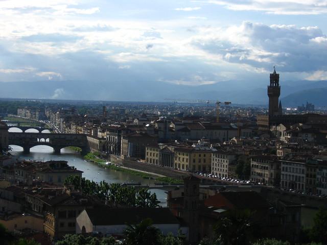 フィレンツェの街の眺めのフリー写真素材