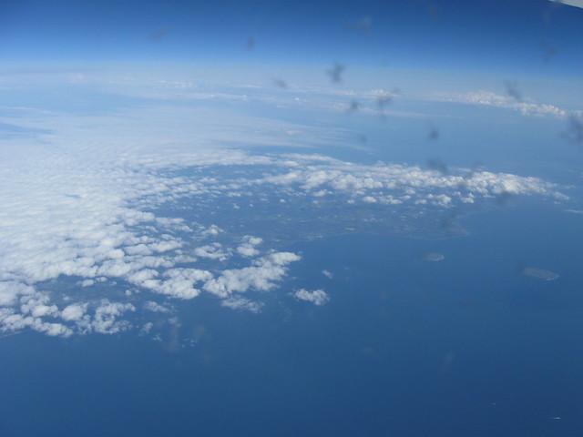 飛行機から見た空のフリー写真素材