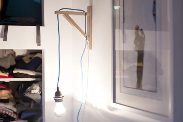 DIY: Wall Mounted Bulb Lamp