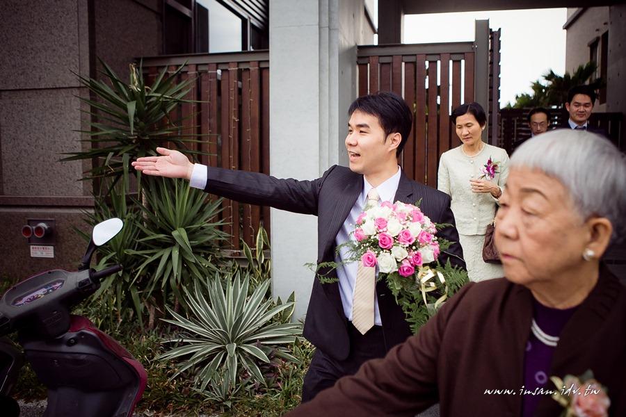 wed101211_0076